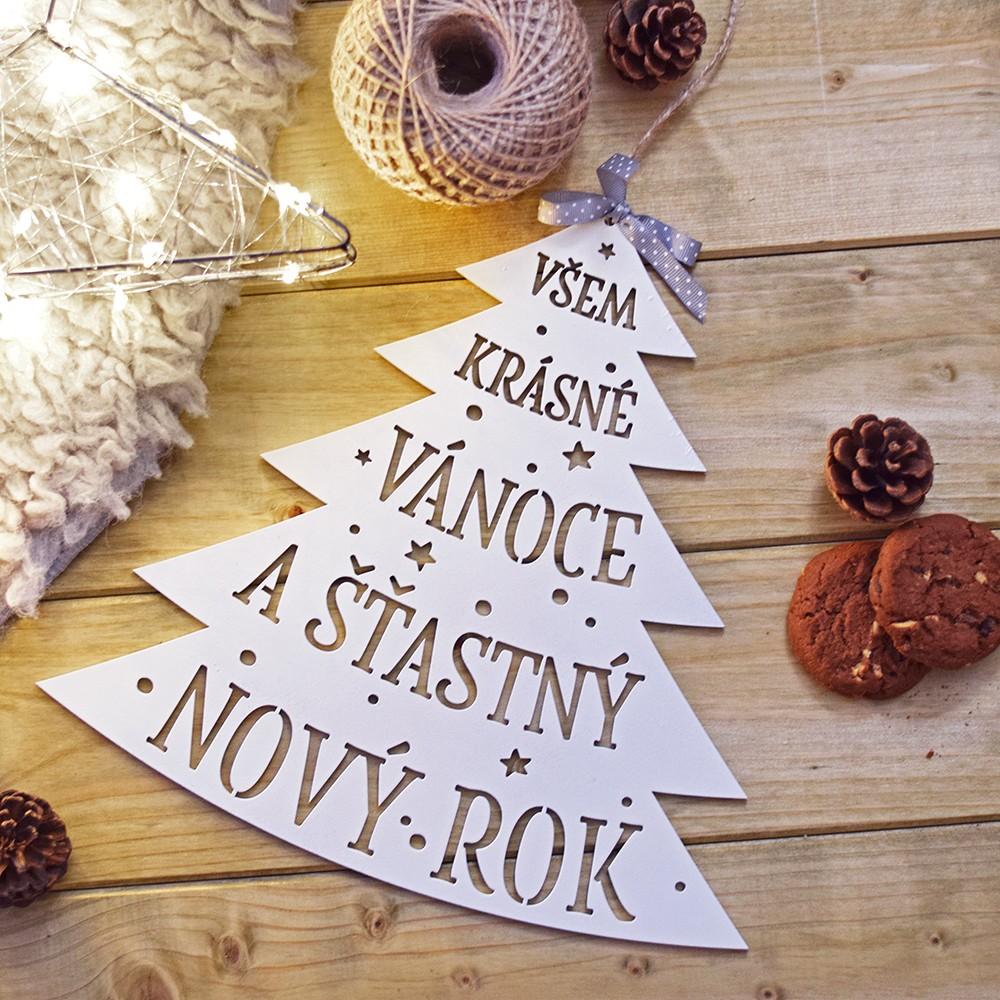HOUSEDECOR Dřevěná dekorace - Stromeček na pověšení  :)