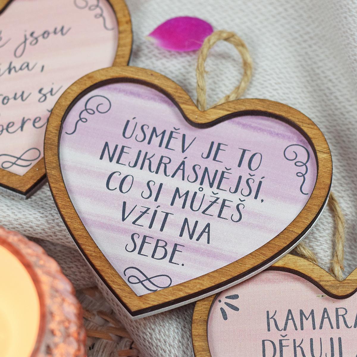 HOUSEDECOR Srdce pro radost - Úsměv je to nejkrásnější