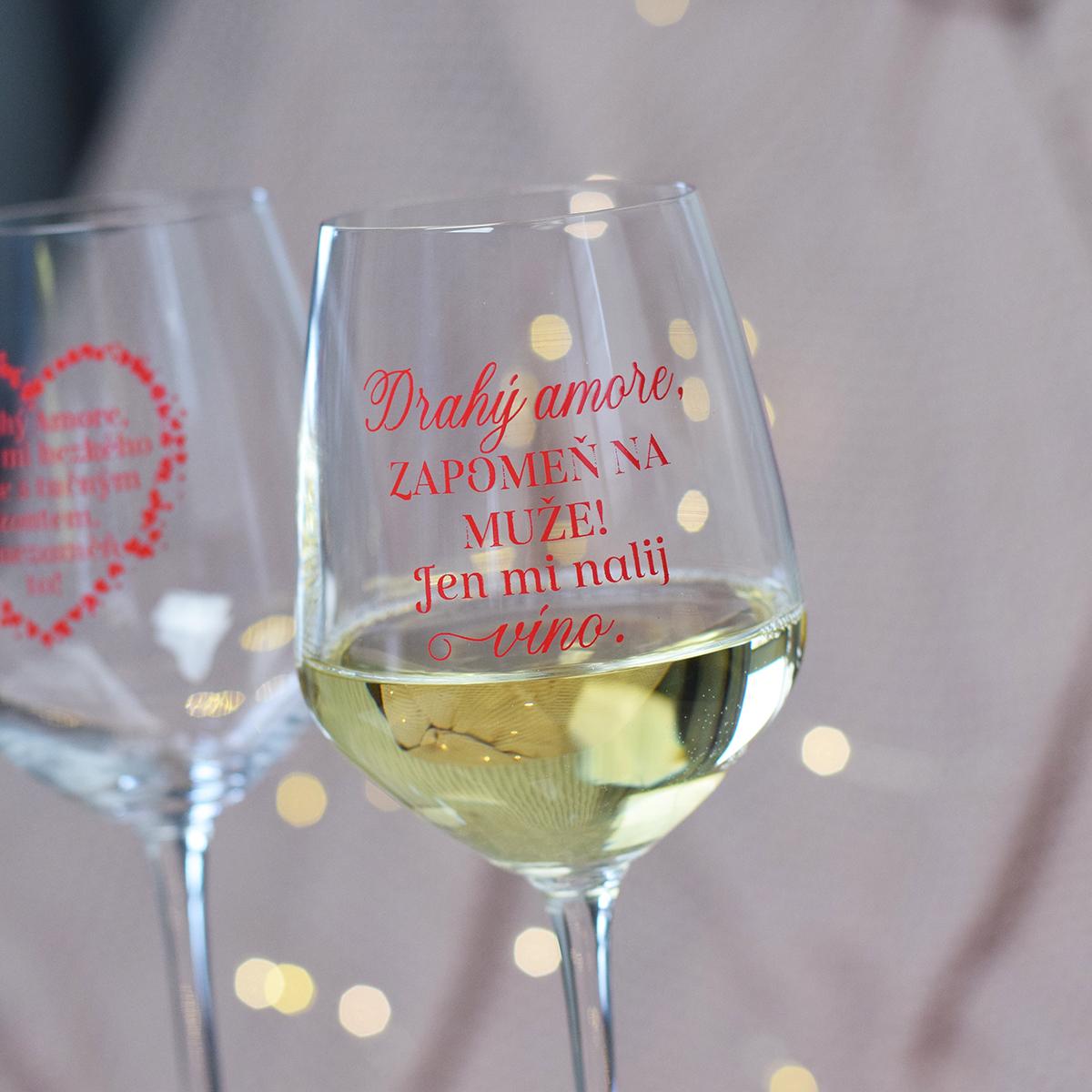 "HOUSEDECOR Sklenice na víno - ""Drahý amore, nalij mi víno."""