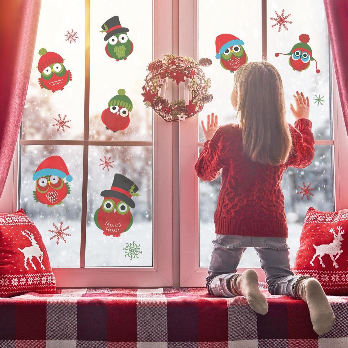 HOUSEDECOR Samolepka na sklo - Vánoční sovičky