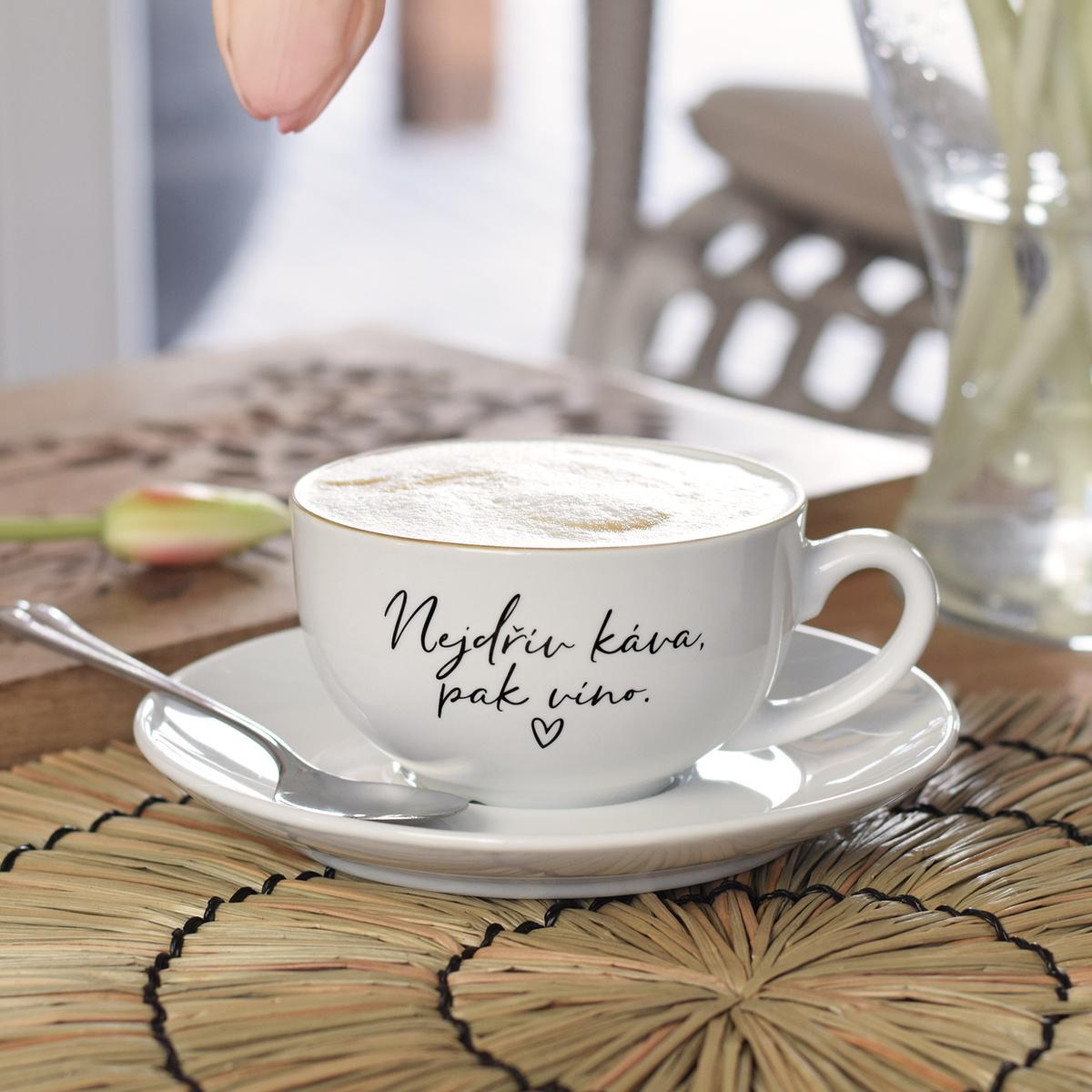 HOUSEDECOR Šálek s podšálkem - Nejdřív káva, pak víno.