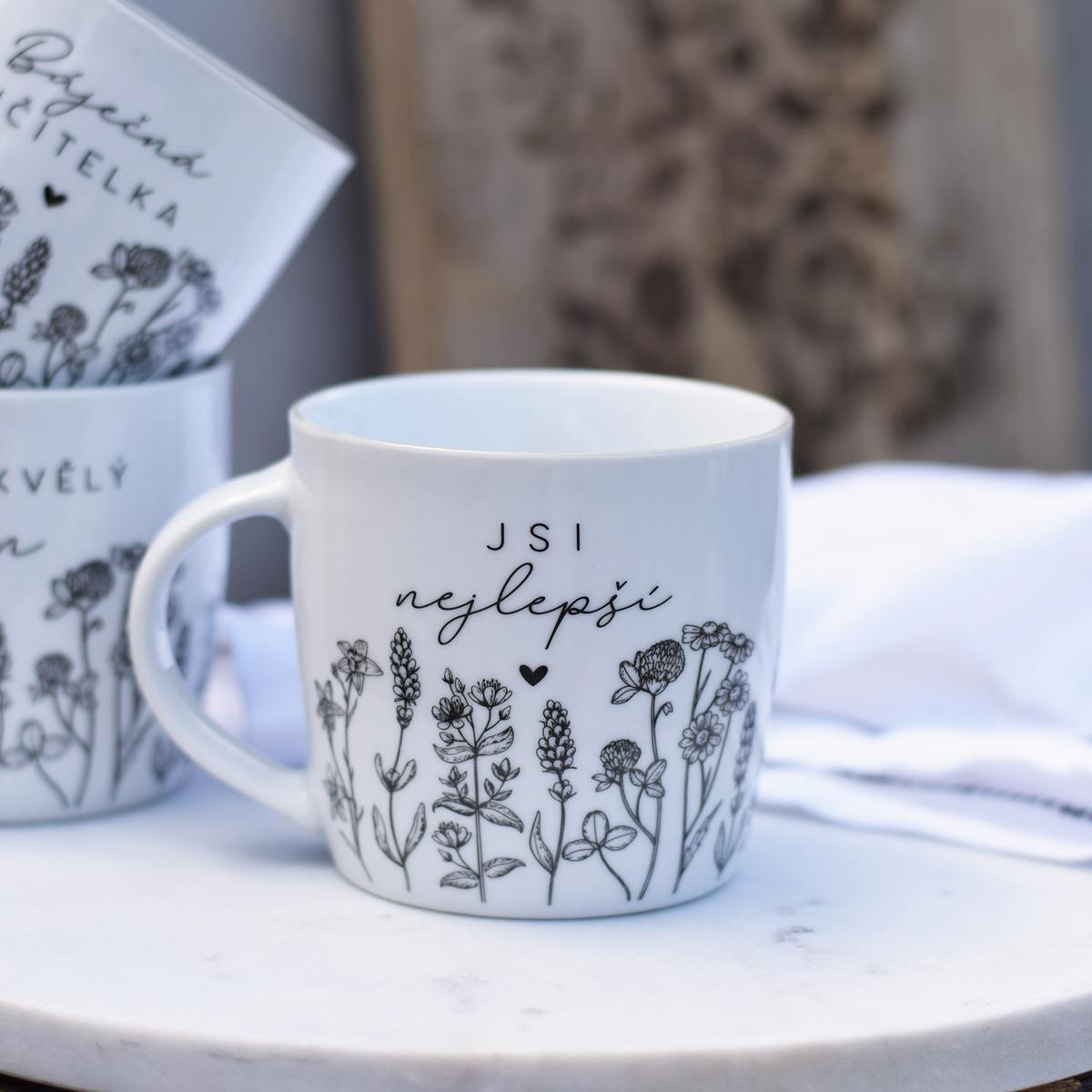 HOUSEDECOR Porcelánový hrnek Louka - Jsi nejlepší